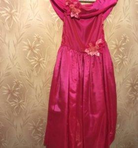 Детское платье на 128-134см (10-12 лет)