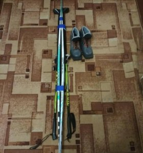 Продам лыжи(с палками)