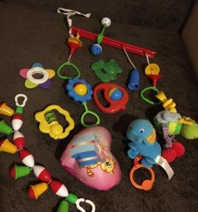 Развивающие игрушки, погремушки, прорезыватели