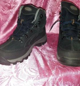 Зимние мужские ботинки 37размера