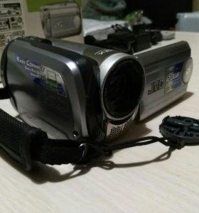 Видеокамера JVC GZ-MG27E