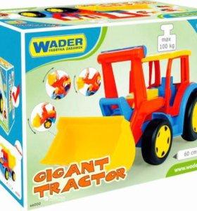 Большой игрушечный трактор Гигант с ковшом