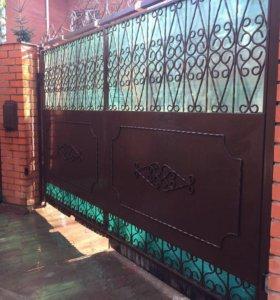 Кованные распашные ворота с механизмами