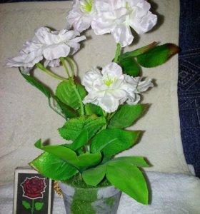 Цветы искусственные в горшках
