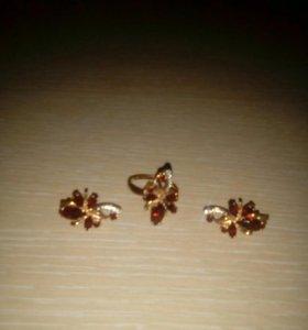 Комплект из золота с гранатами,цепь,кольцо