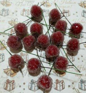 Искусственные морозные яблоки на проволоке