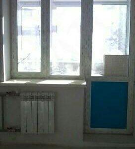 Балконный оконный блок с дверью