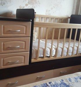 Кроватка с камодом