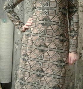 Платье трикотажное,новое