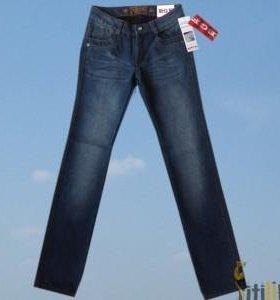 Брюки джинсы 134