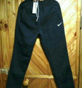 Продам брюки спортивные тёплые 48 размер