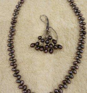Ожерелье и брошь