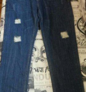 Новые джинсы в ассортименте.