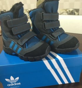 Новые тёплые ботинки adidas original. Две пары