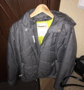 Куртка Reebok размер L новая!