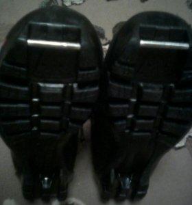 Ботинки лыжные 35 размер.