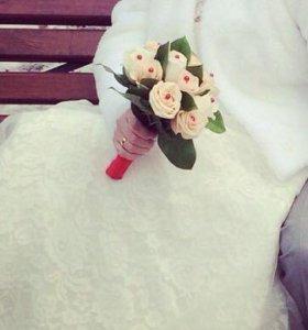 Свадебное платье,и шубка.