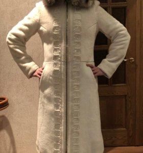 Продам натуральное белое пальто