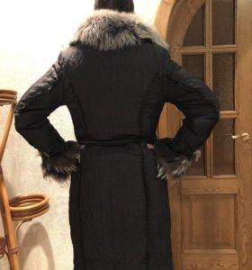Продам черное пальто с мехом чернобурки
