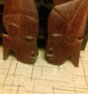 Африканские фигуры из красного дерева