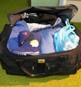 Продажа одежды на мальчика сумкой