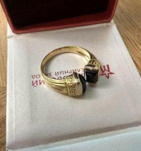 Мужское кольцо золотое