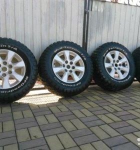 Грязевые колеса на 17 дисках в идеальном состоянии