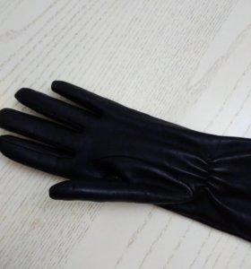 Перчатки кожаные до локтя