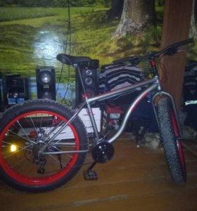 Продам новый  горный велосипед фэтбайк
