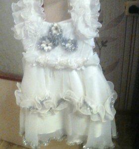 Новогднее платье