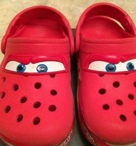 Crocs c9 с мигалками