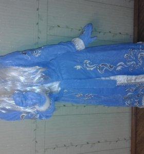 Карнавальный костюм Снегурочки с вышивкой новый