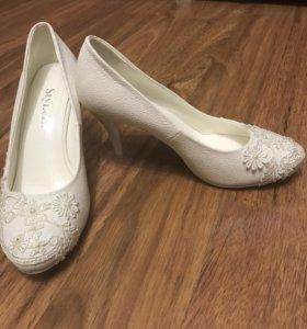 Туфли белые (свадебные)
