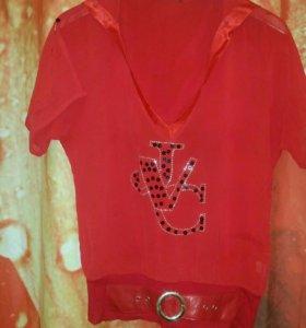 Молодежная блуза с капюшоном