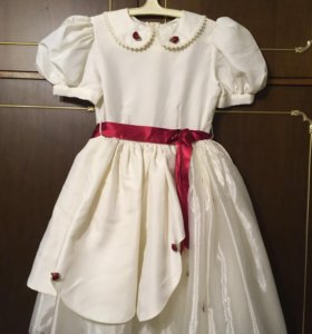 Платье праздничное 6-8 лет.