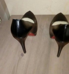 Туфли Лубутены