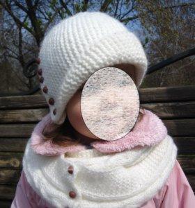 Комплект: шапка и шарф.