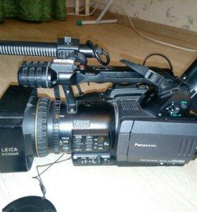 Видеокамера профессиональная. Panasonic dvx 100