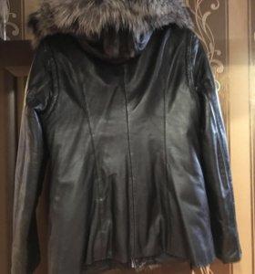 Куртка кожаная с меховой отделкой