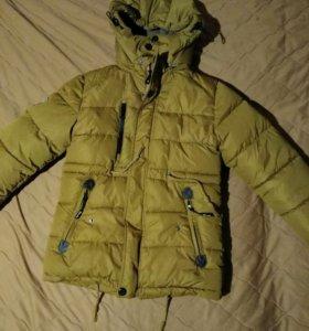 Зимняя куртка на мальчика 8—9 лет теплая
