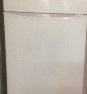 Холодильник Вестл двухкамерный новый