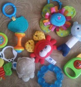 фирменные игрушки пакетом!
