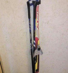 Продаю лыжи с палками.