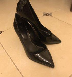 Туфли лодочки чёрные лаковые