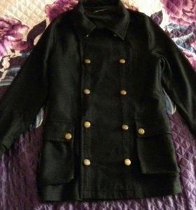 Продам демисезонное мужское пальто