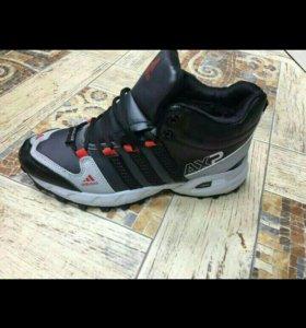 Кроссовки с мехом зимние Adidas(41,44)