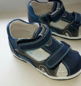 Летние сандали для мальчиков