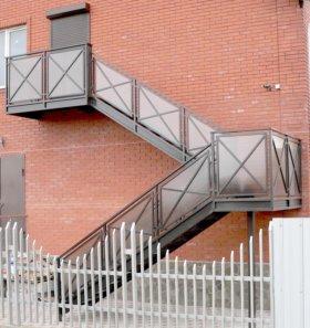 Лестницы уличные, эвакуационные под заказ