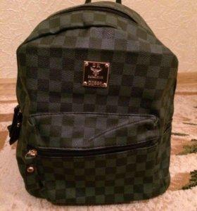 Новенький рюкзачок
