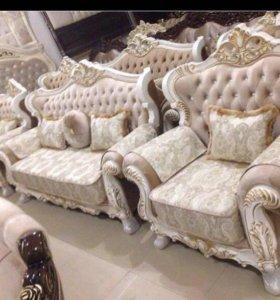 Роскошная мягкая мебель. Диван и 2 кресла